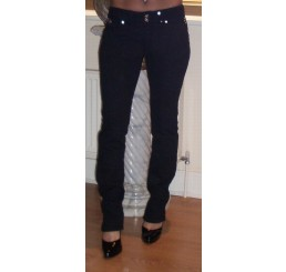 BLACK DENIM JEANS WITH DIAMONTE DETAIL