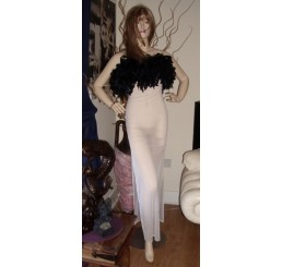 GORGEOUS WHITE DRESS WITH BLACK FEATHER DETAIL - SIZE 8/10